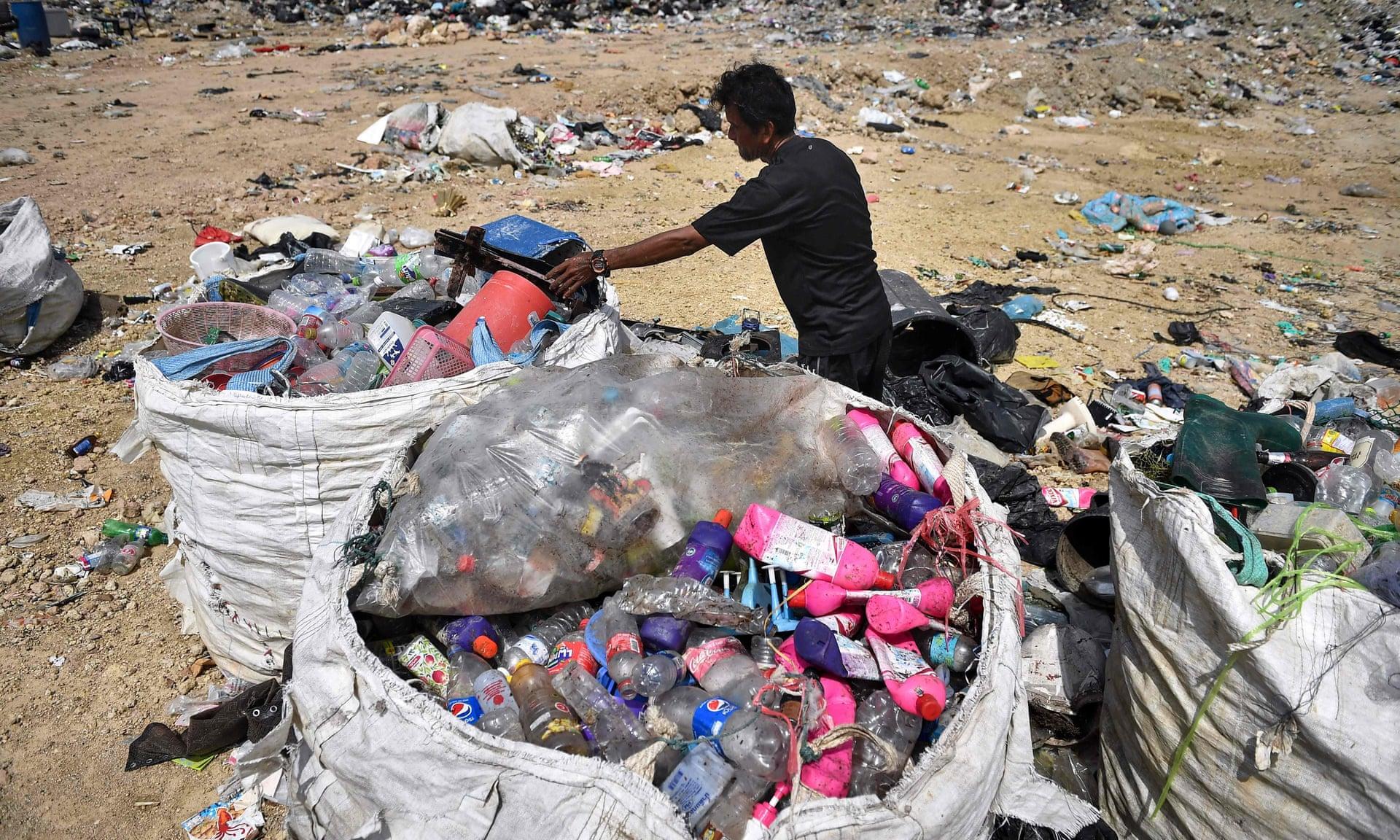 I rifiuti di plastica negli oceani triplicheranno in 20 anni